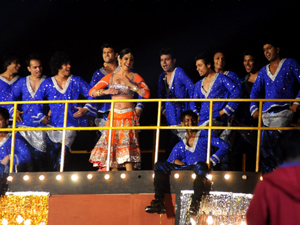 Hindi Performer Auditions In Nyc For Bollywood Musical